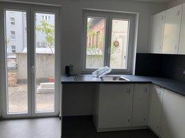 Küche mit Zugang Terrasse