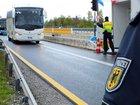 Die Rosenheimer Bundespolizei hat einen Georgier und einen Italiener nach Grenzkontrollen auf der Inntalautobahn wegen offenkundig gefälschter Papiere angezeigt.