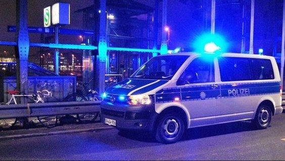 Polizeiauto_Nachts.jpg
