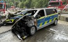 Zwei der Altenaer Streifenwagen wurden bei dem Feuer zerstört. Foto: Polizei MK