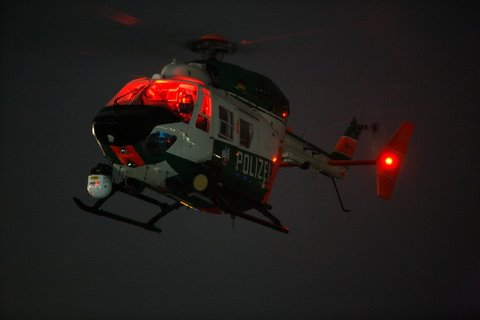 Polizeihubschrauber_Nacht2.jpg