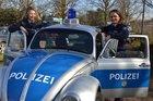 Die Personalberaterinnen der Kreispolizei Wesel, Judith Braun (links) und Sandra Müntjes, freuen sich auf viele Speed Dating-Termine.