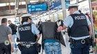 Gegen einen 33-Jährigen aus Marl, der sich am Hauptbahnhof in München einer Kontrolle durch Zollbeamte widersetzte, ermittelt die Bundespolizei wegen Körperverletzung und Widerstand.