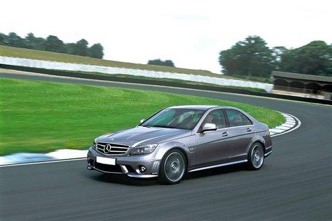 Mercedes-AMG_C63_seitlich.jpg