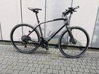 Wer dieses Fahrrad als sein Eigentum wiedererkennt oder weitere sachdienliche Hinweise geben kann, möge sich bitte mit der Polizei in Wilhelmshaven unter der Telefonnummer 04421 942-0 in Verbindung setzen.