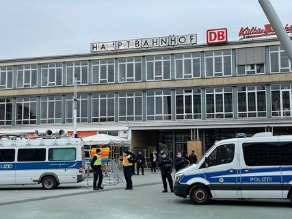 Bild-Versammlungslage-Kasseler-Hauptbahnhof.jpg