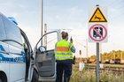 Lebensgefahr! Zum Beginn der Sommerferien in Bayern appelliert die Rosenheimer Bundespolizei eindringlich, sich von Bahnanlagen fernzuhalten.
