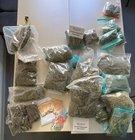 sichergestellte Drogen und Dealgeld