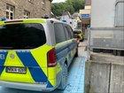 Heute (Samstag) Morgen wurde versucht, diesen Streifenwagen vor der Altenaer Polizeiwache in Brand zu setzen. Foto: Polizei MK