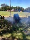 Der brennende Baumstumpf wurde mittels Schnellangriff gelöscht.