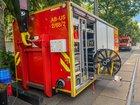 © Feuerwehr Dresden Sondertechnik der ABC-Gefahrenabwehr wird aufgebaut.
