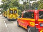 © Feuerwehr Dresden Einsatzfahrzeuge stehen im Bereitstellungsraum auf der Stübelallee bereit.