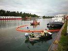 Scharnebeck- Sportboot verliert Öl - Feuerwehr im Einsatz - Wasserschutzpolizei ermittelt wegen Gewässerverunreinigung