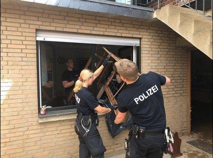 AufräumarbeitenQuellePolizei.JPG