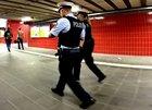 Nachdem eine Frau nicht auf die Anzüglichkeiten eines 26-Jährigen einging, rastete der aus und griff die Frau an. Die Bundespolizei nahm in vorläufig fest.