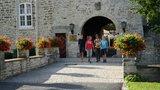 thumbnail - Start zur Wanderung an der Burg Warberg