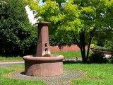 thumbnail - Greifenthal Hugenottenbrunnen