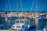 thumbnail - Der kleine Hafen in Lohme mit Blick auf Kap Arkona