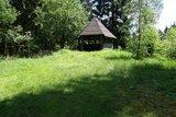 thumbnail - Rastmöglichkeiten, wie hier eine Schutzhütte, befinden sich am Wegesrand