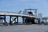 thumbnail - Radfahrer am Fährhafen Puttgarden