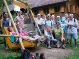 thumbnail - Die Wandergruppe an der Hütte