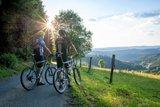thumbnail - Radfahrer genießen  Aussicht