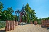 thumbnail - Beeindruckendes Bauwerk im Ihlower Forst: die Klosterstätte mit Aussichtsplattform