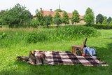 thumbnail - Das Kloster Clarholz beim Picknick im Blick