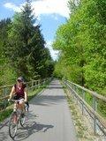 thumbnail - Radfahrer entlang des Donau-Ilz-Radweges