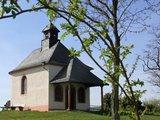 thumbnail - Oben auf der Kleinen Kalmit mit der Kapelle Mater-Dolorosa