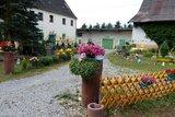 thumbnail - Kleine Entdeckung unterwegs: Ein bunter gestalteter Vorgarten.