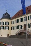 thumbnail - Das Schloss in Bad Bergzabern war früher von einem Wassergraben umgeben.
