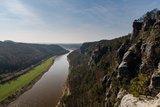 thumbnail - Blick von der Basteibrücke ins Elbtal
