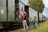 thumbnail - Zustieg in die Döllnitzbahn