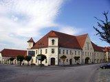 thumbnail - Unteres Schloss am Marktplatz Arnstorf