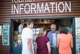 thumbnail - Ob Informationsmaterial, Souvenirs oder Ansichtskarten, bei der Touristinformation finden man alles.