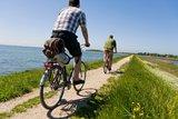 thumbnail - Radfahren an der Wasserkante auf Fehmarn