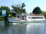 thumbnail - Fahrgastschiff auf der Saale in Halle