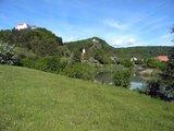 thumbnail - Blick auf Schloss Rosenburg und die Burgruine Tachenstein in Riedenburg im Altmühltal