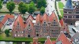 thumbnail - Blick vom Turm der Petrikirche auf die Salzspeicher
