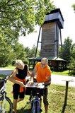 thumbnail - Am Freesdorfer Aussichtsturm bietet sich ein Picknick an.