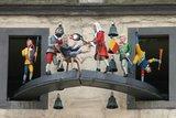 thumbnail - Glockenspiel mit Figurenumlauf des Doktor Eisenbart am Rathaus