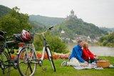 thumbnail - Mosel-Radweg mit Blick auf die Reichsburg in Cochem