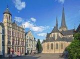 thumbnail - Großer Markt mit Historischer Rathausfassade und Willibrord-Dom