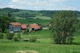 thumbnail - Auf Höhe der idyllischen Lottenmühle biegen wir rechts wieder nach Kaltensundheim ab.