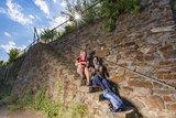 thumbnail - Rast auf der Weinbergstreppe