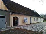 thumbnail - Außenansicht Schlossremise mit Touristinformation