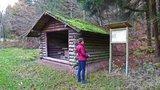thumbnail - Schutzhütte und Infotafel zum Messerweg am Rodelhang