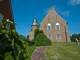 thumbnail - Teebüs (Teebüchse) so nennen die Ostfriesen den Kirchturm in der Ortschaft Riepe