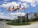 "thumbnail - Europafahnen vor der Kapelle ""Maria, Mutter Europas"""
